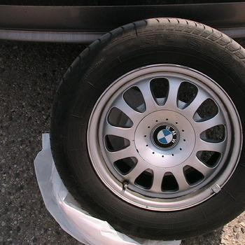 BMW E-39 valukad+rehvid 4tk.