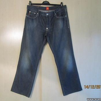 Hugo Boss püksid s. 38/34.