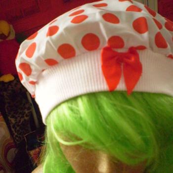 uus täpiline lipsugsa müts